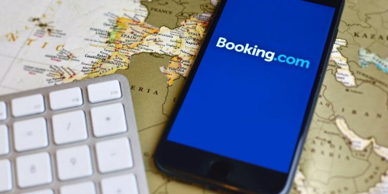 Booking busca reactivar las reservas en España