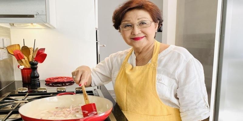 Mujer de 77 años inicia un canal de Youtube