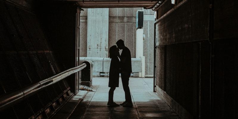 Tinder genera amor en el confinamiento